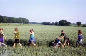 """Ich konnte es mir natürlich nicht nehmen lassen, dem G8 Gipfel in Heiligendamm einen Besuch abzustatten. Deutschland ein Sommermärchen. Junge Menschen, viel Sonne und """"Hilfe Polizei"""". Die Ostsee ist doch immer eine Reise wert.  8 images"""