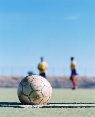 Rainbow United FC ist ein Fu&#223ballclub in Kapstadt. Genau genommen in einem Vorort namens Philippi, der außer Tr&#228umen nicht viel zu bieten hat.  published by Rund Magazin Nr.2 Sep.2005 Join Rainbow United FC at Facebook  17 images